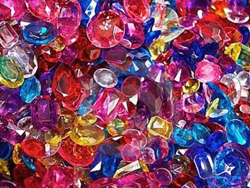 gioielli-di-plastica-brillantemente-colorati-15466772